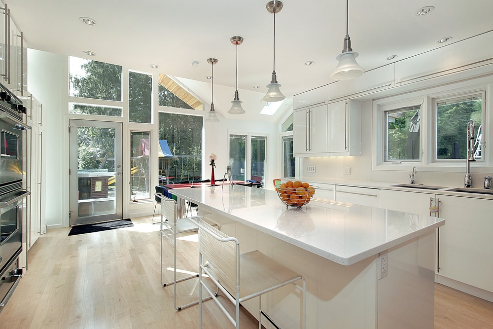 White Kitchen Cabinets and Countertops: A Style Guide
