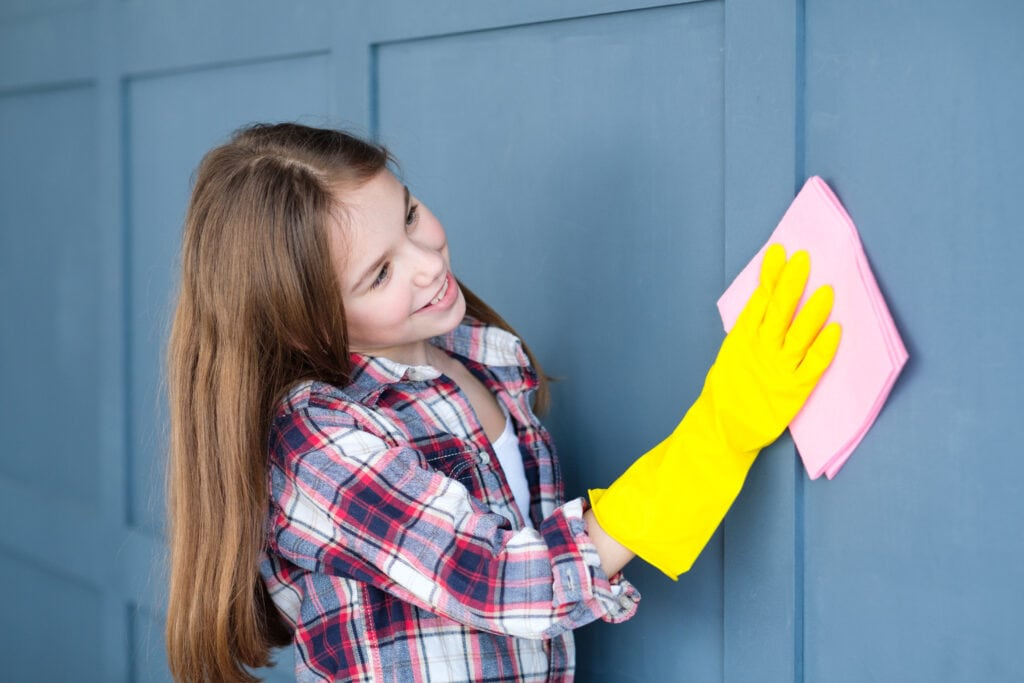 How to Clean Your Walls Without Messing up the Paint